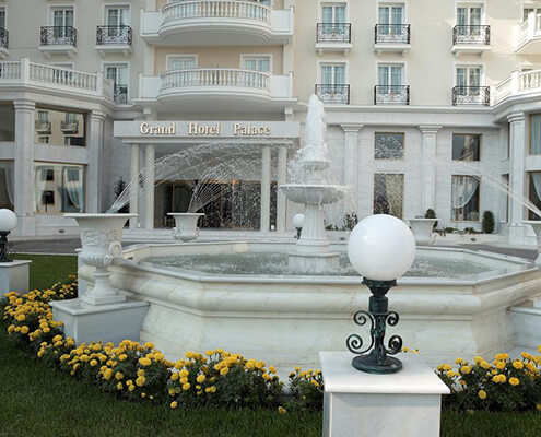 taxi-transfers-to-grand-hotel-palace