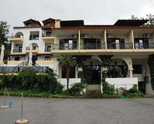 Taxi transfers to Leandros Hotel