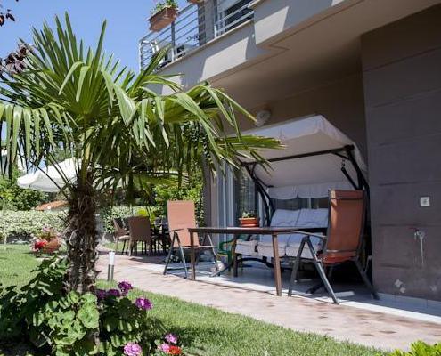Apartments Eleni 4 Seasons airport taxi transfers